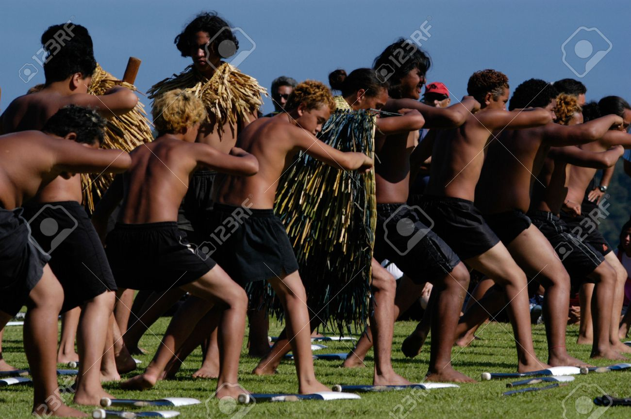 Unique Maori Krieger Collection Of Februar: Maori-krieger Führen Haka Tanz Während Waitangi