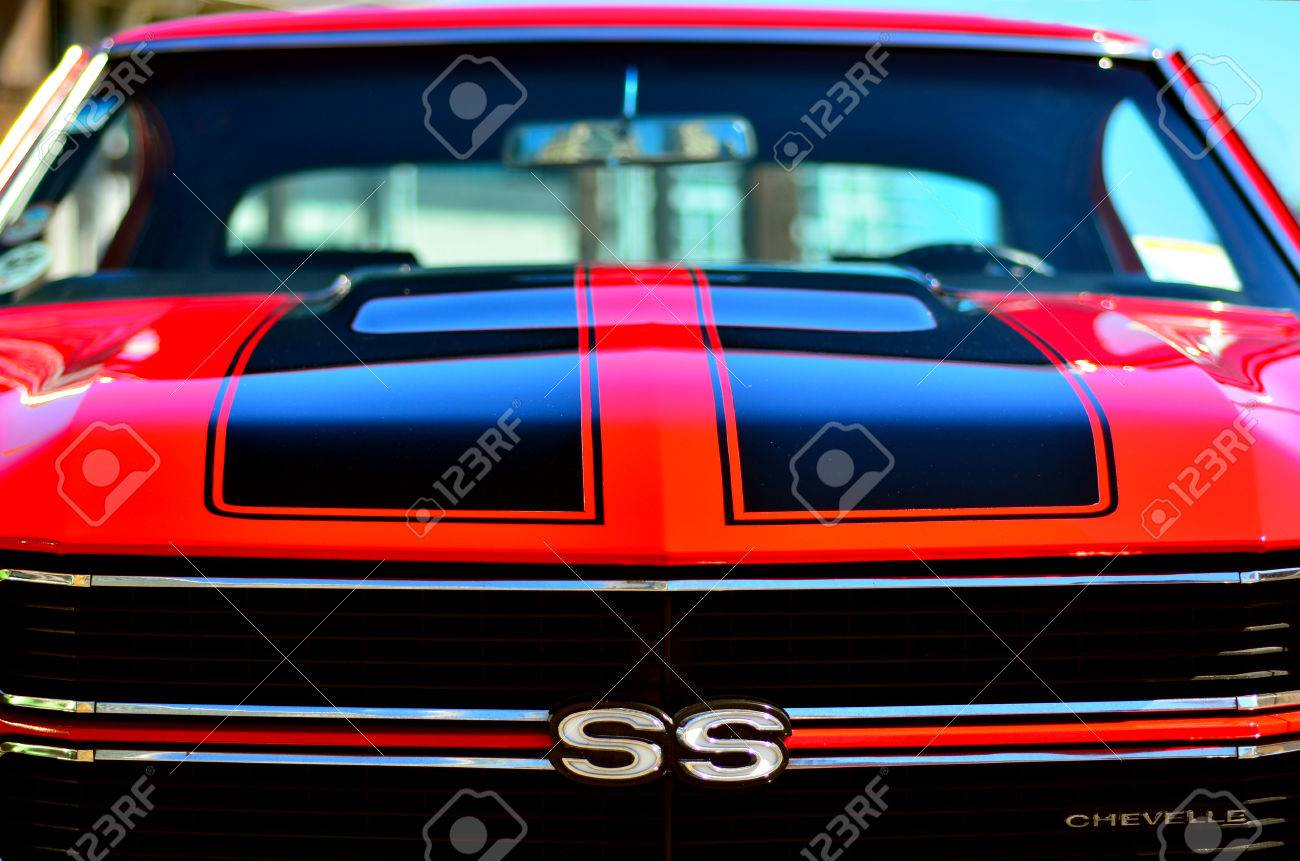 AUCKLAND - NOV 05 2015:Chevrolet Camero SS Front In A Public.. Stock ...