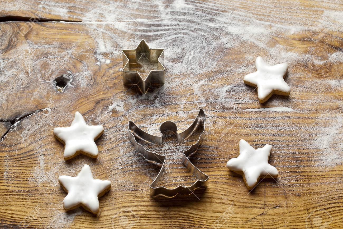 Baking Christmas Cookies Stock Photo - 14989667