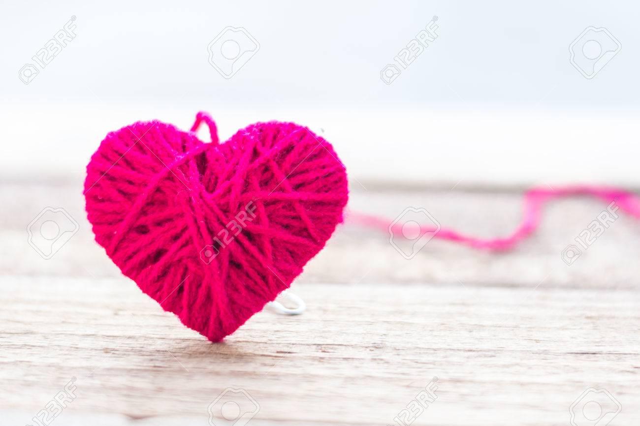 Encantador Los Patrones De Ganchillo Chal Corazón Rojo Fotos - Coser ...