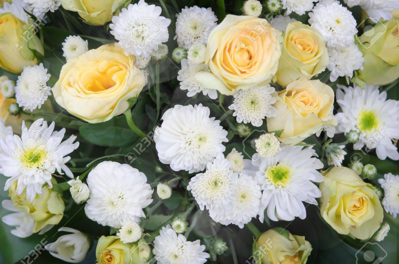 Mixed Of Fresh White And Yellow Flower Bouquet Stock Photo, Picture ...
