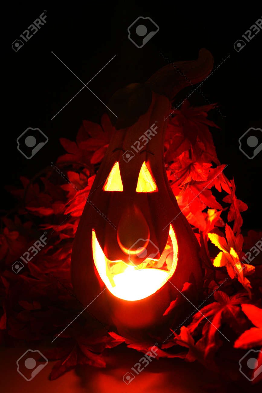 halloween pumpkin lantern shining in the dark Stock Photo - 3686515
