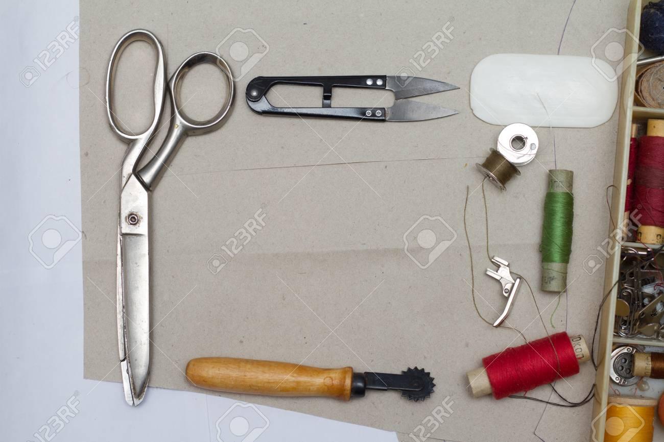 Deco bureau couture p tuto diy idees deco rangement pour atelier