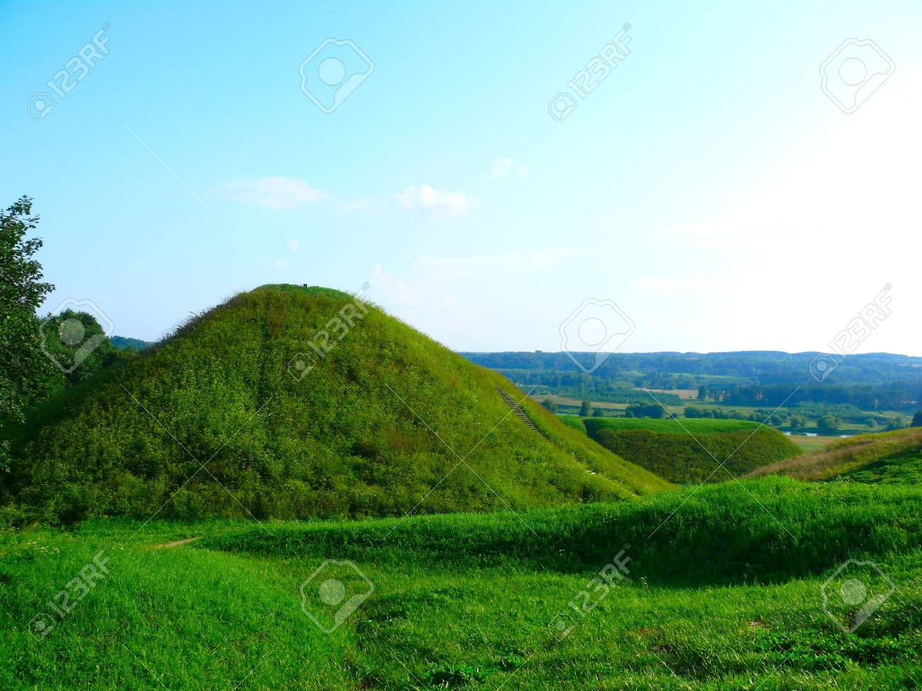 Summer landscape. Green hill in the outskirts of Vilnius Stock Photo - 10300800