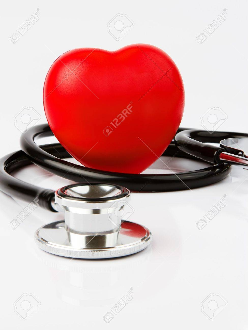 Red heart and a stethoscope, healthcare concept Stock Photo - 10564308