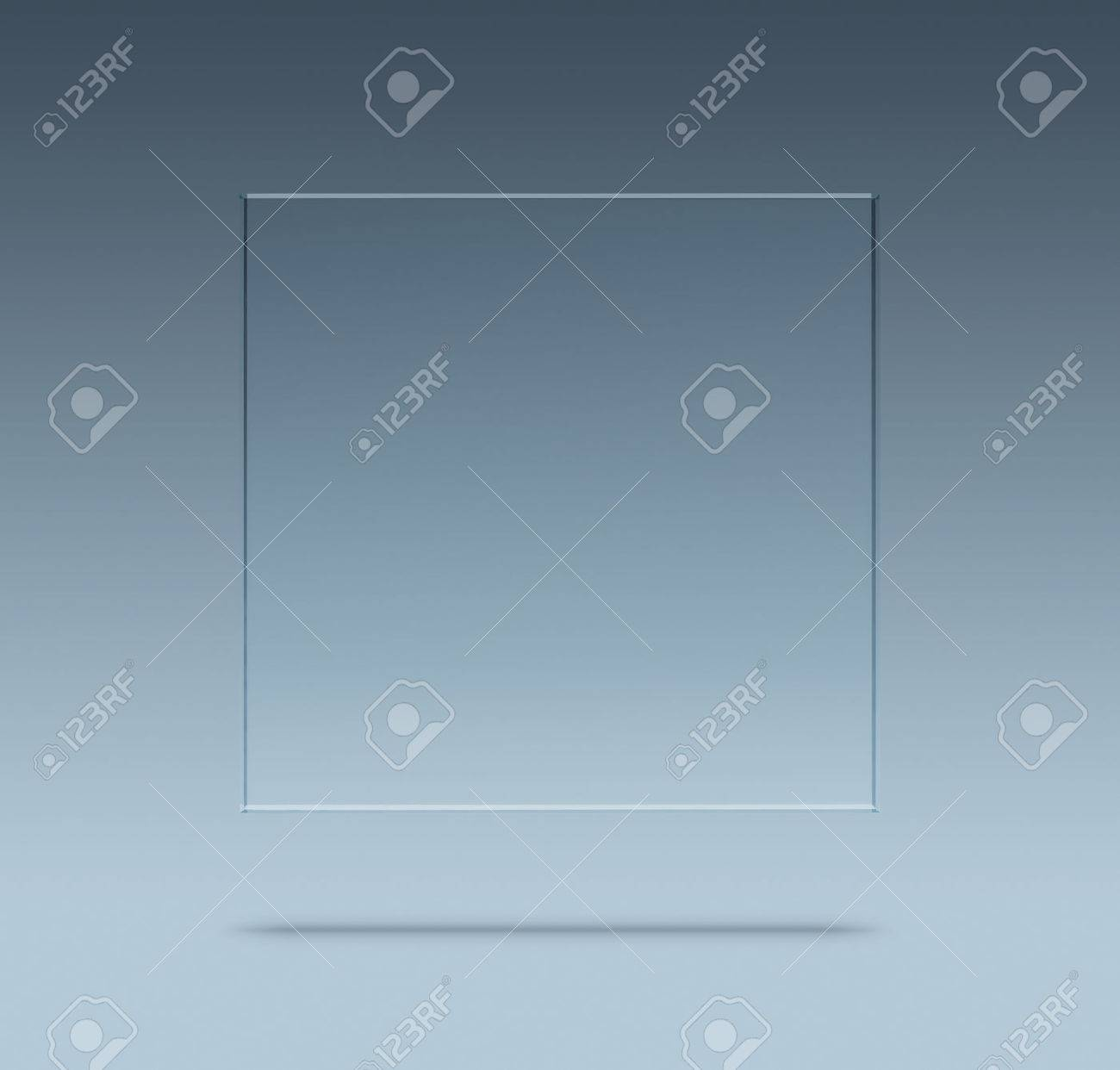 Close up of blank glass plate with copy space Standard-Bild - 46043125