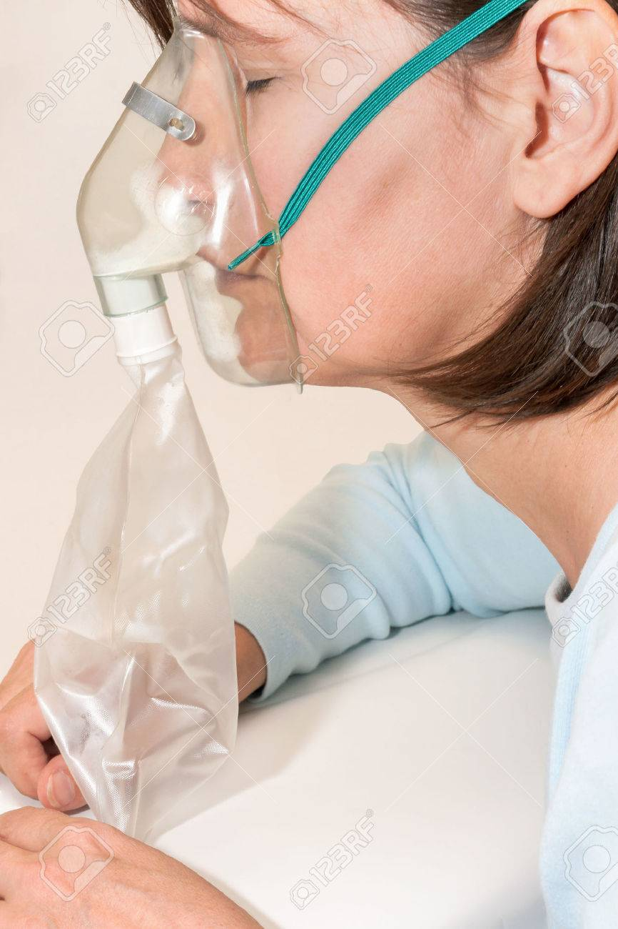 呼吸 マスク 過