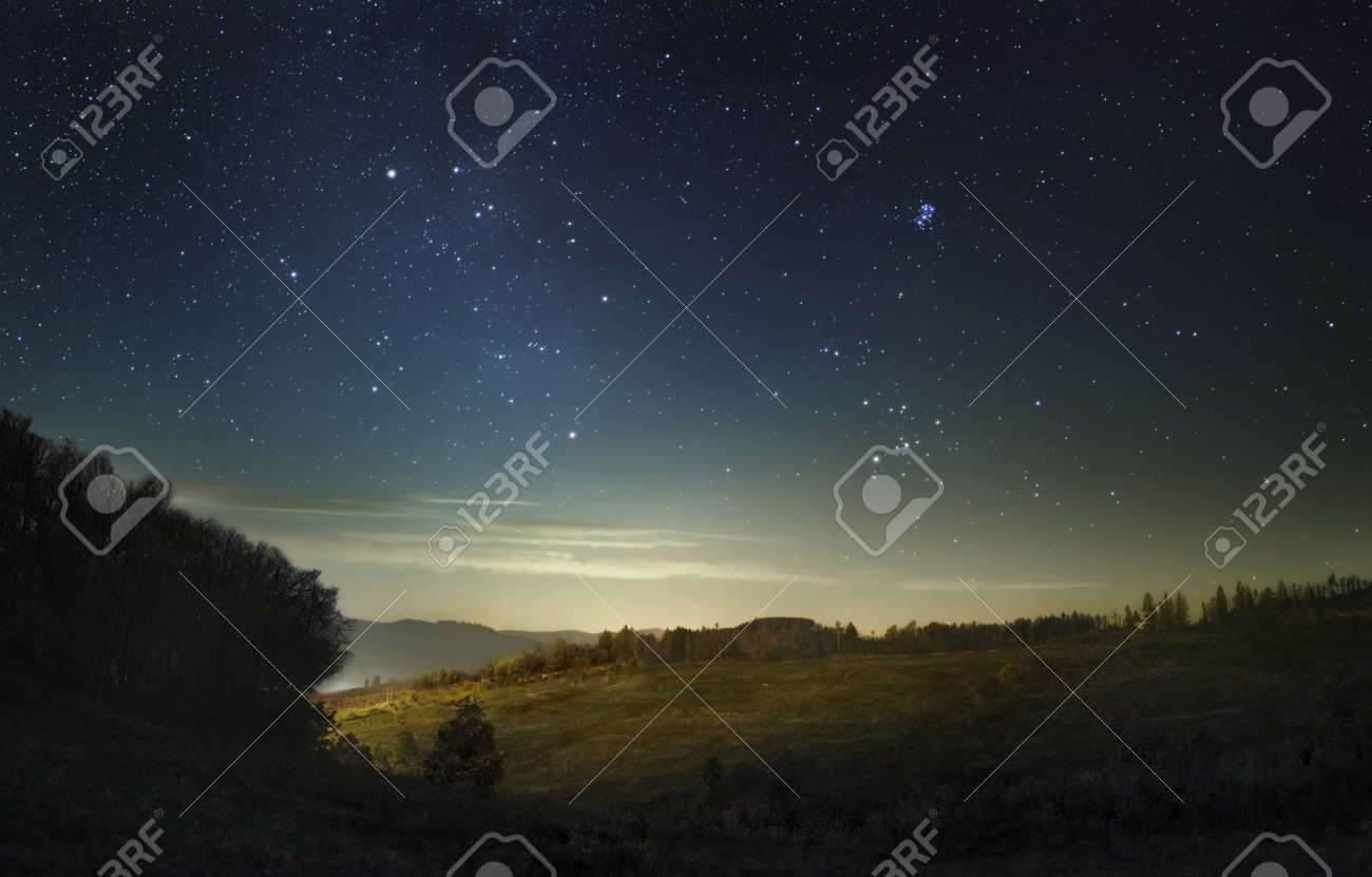 A picture of the fading stars of Milky Way before the dawn - 133378222