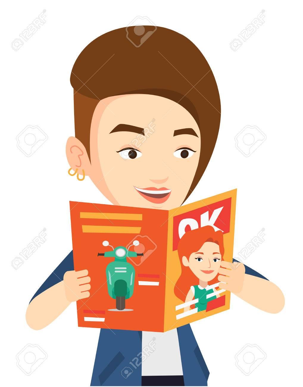 白人女性雑誌を読んでします若い女性の手の雑誌と立っています幸せな