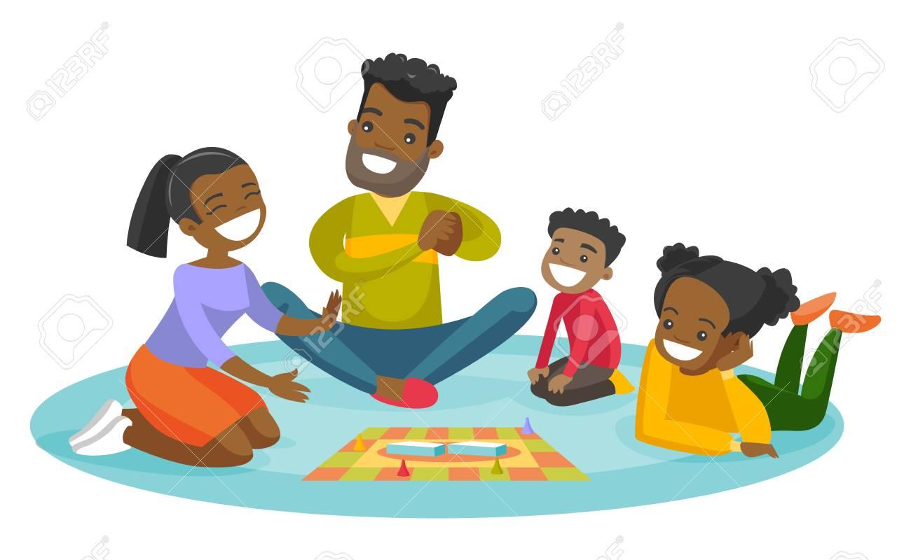 Jovenes Padres Africanos Felices Con Sus Pequenos Ninos Sentados En