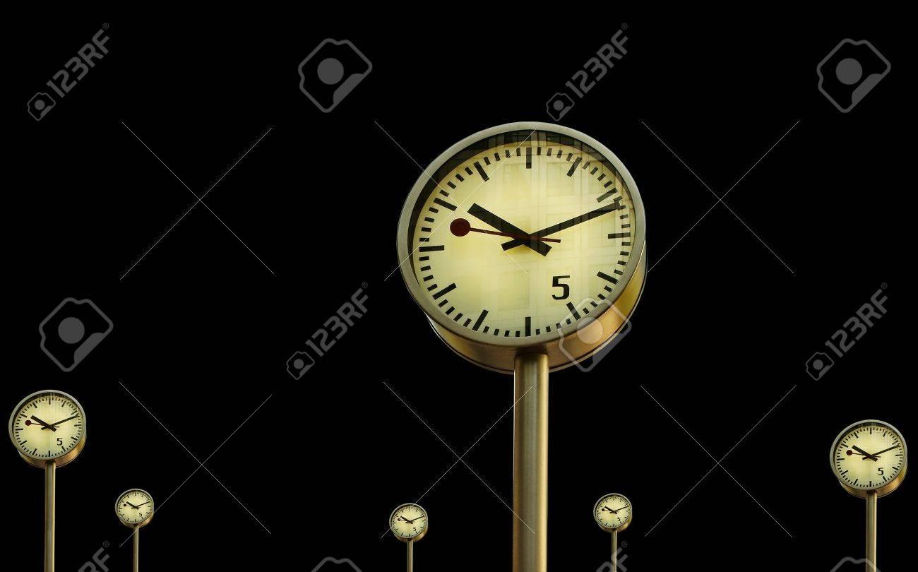 Clocks in Canary Wharf in London - 15990248