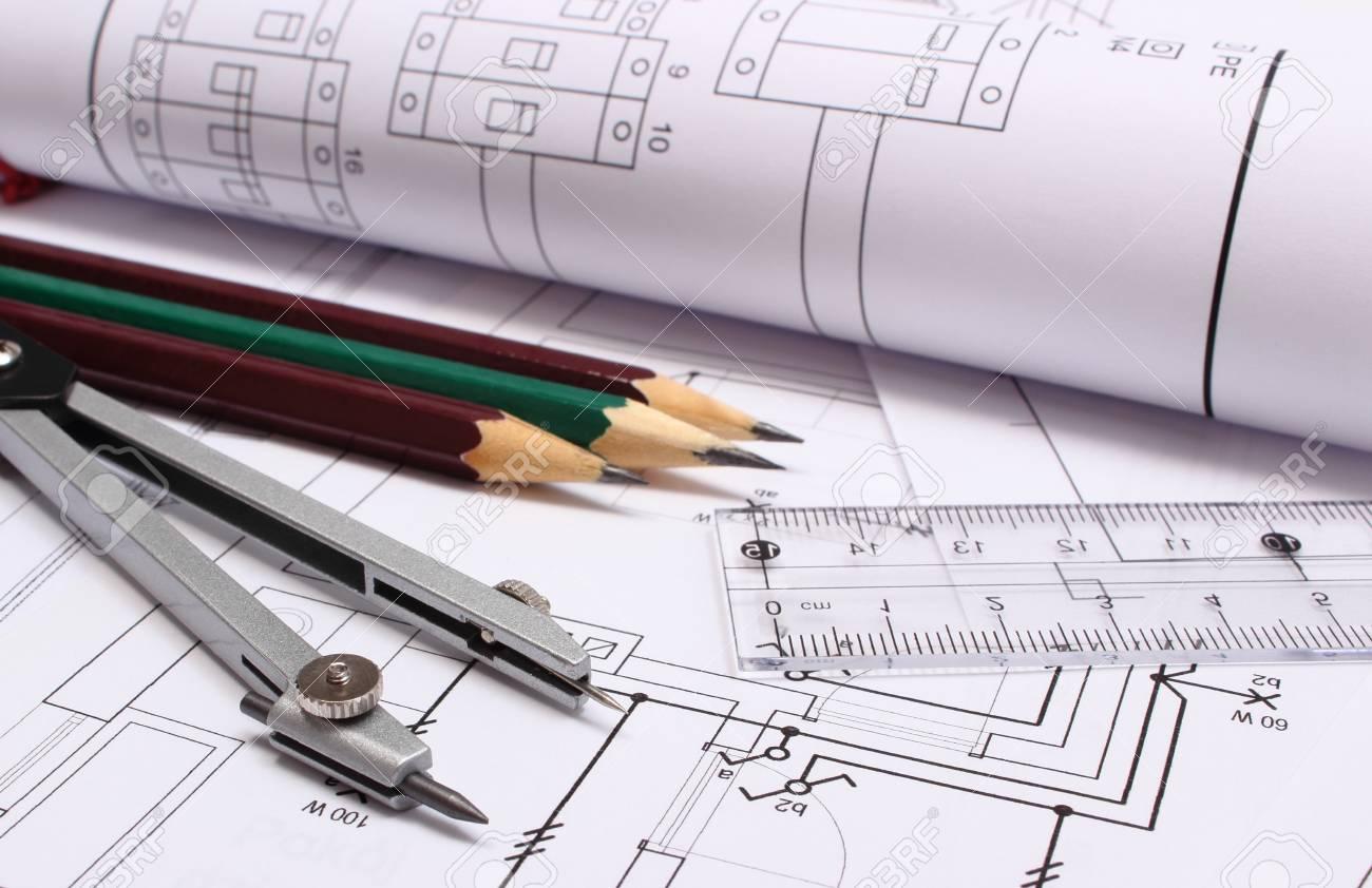 Schemi Elettrici Casa : Rotoli di schemi elettrici ed accessori per il disegno disteso sul