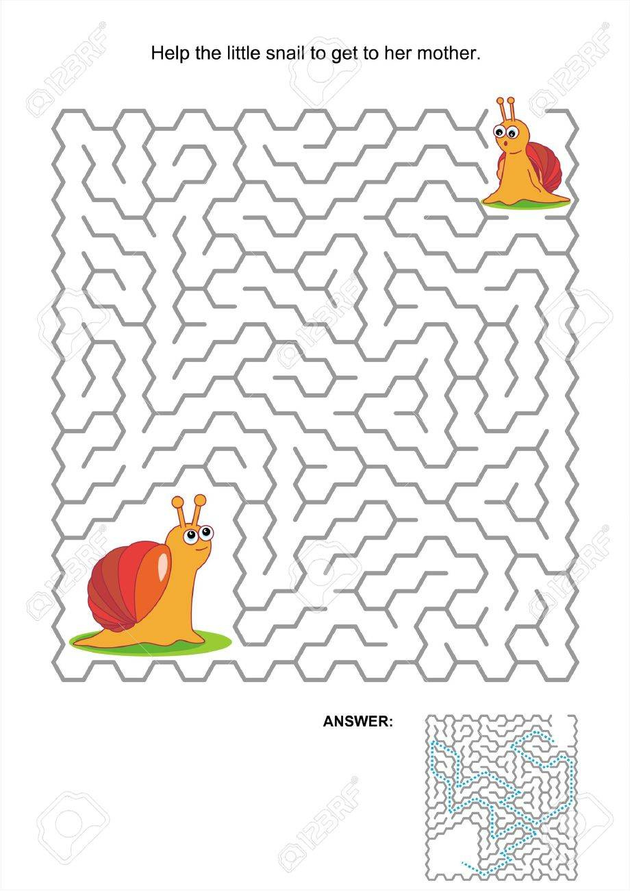 Maze game or activity page for kids  Help the little snail to get to her mother  Answer included Stock Vector - 20295863