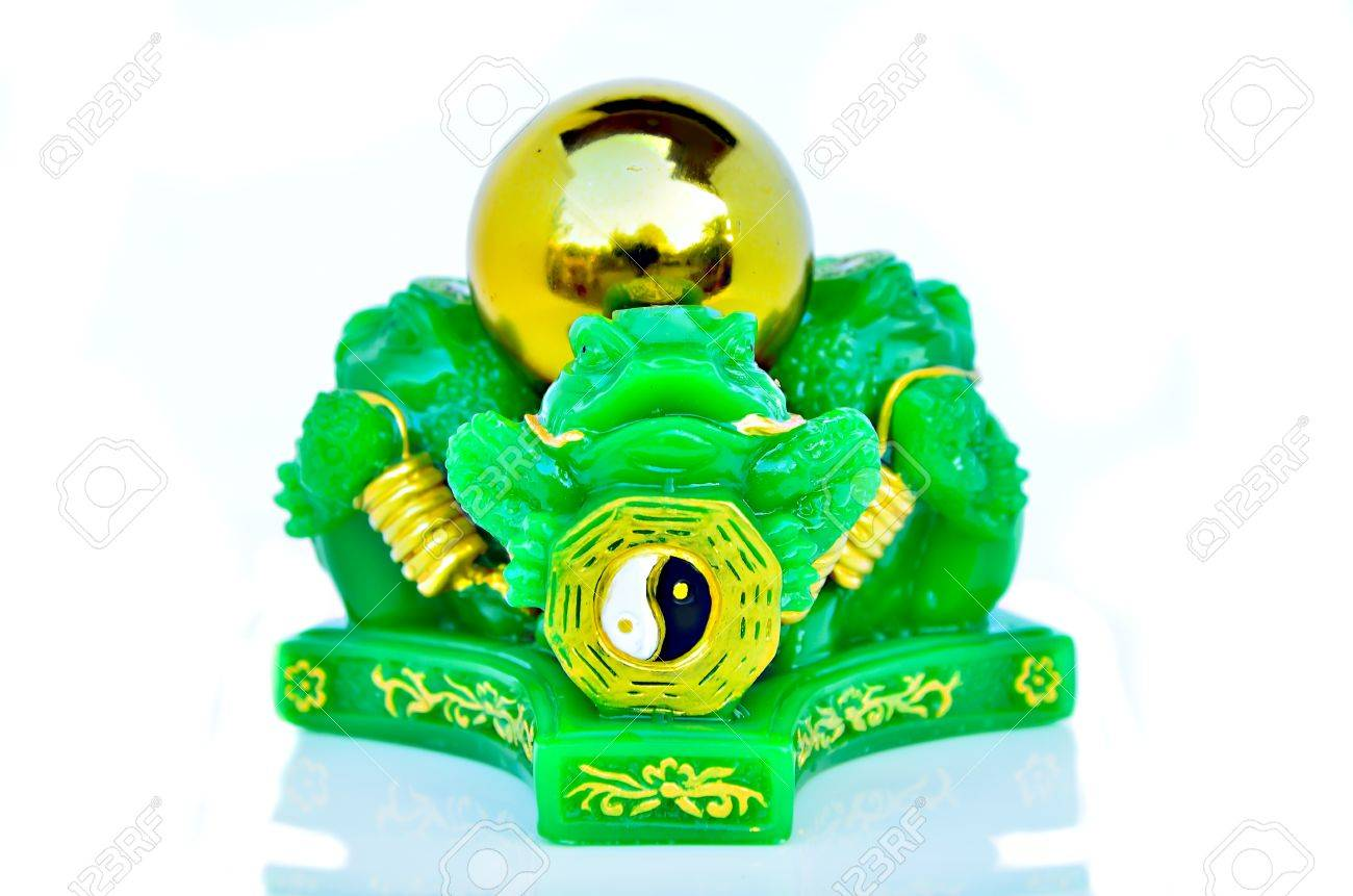 Chinese feng shui lucky money frog Stock Photo - 17204448