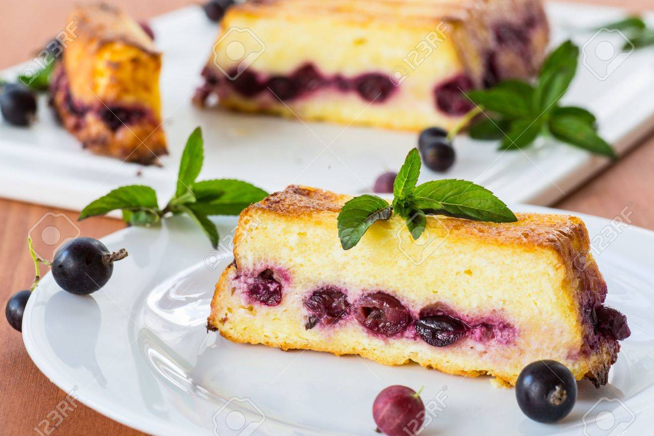Cottage cheese and berry pie: how to make such baked goods 69