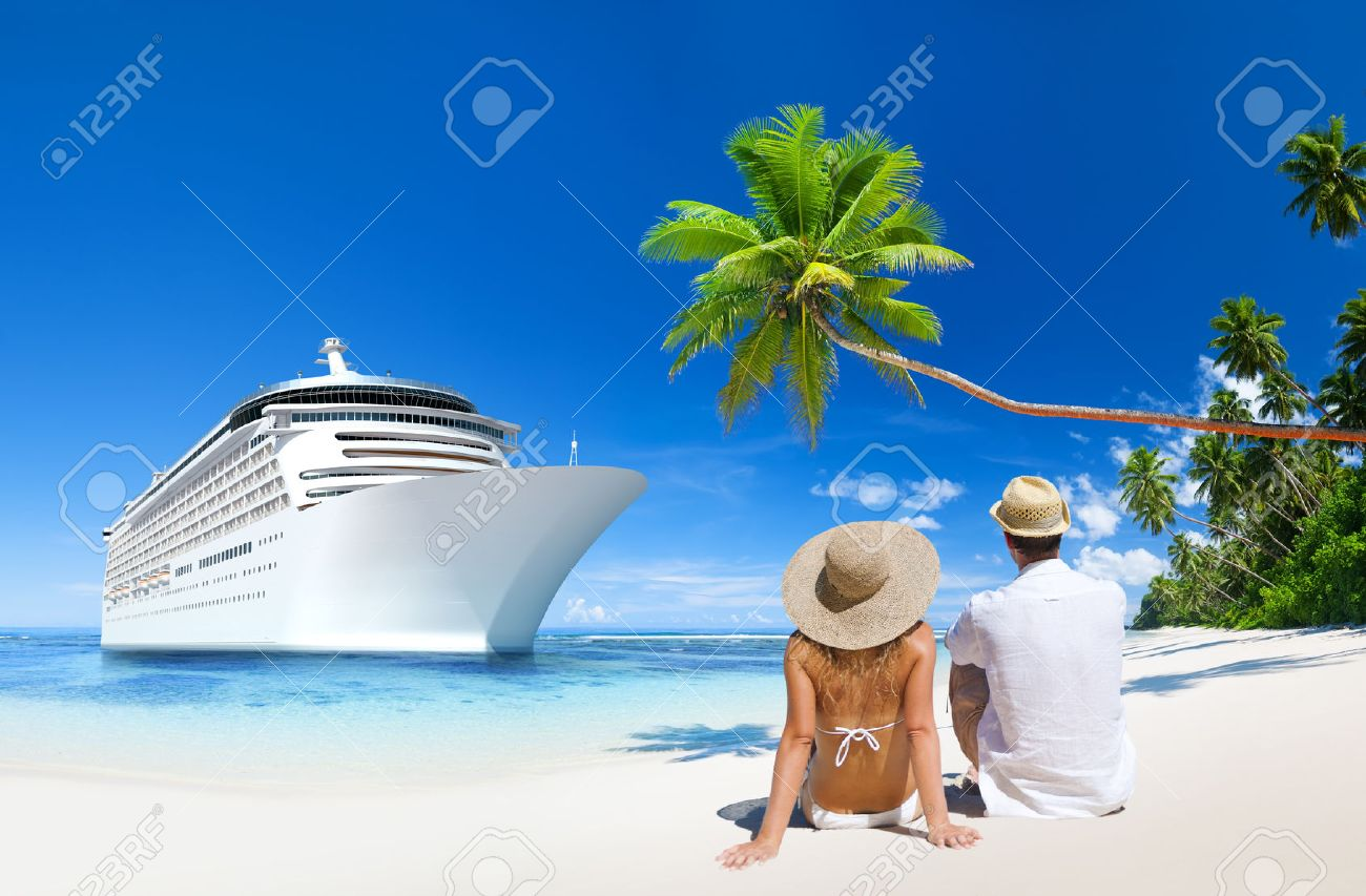 Love Couple sitting at the beach Stock Photo - 28862415