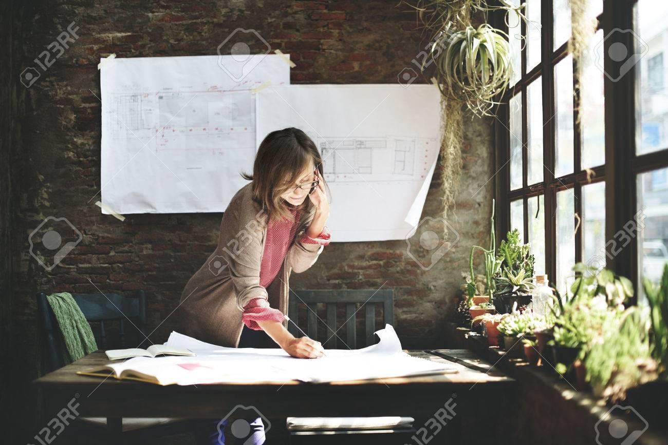 Businesswoman Working Planning Sketch Concept - 51617183
