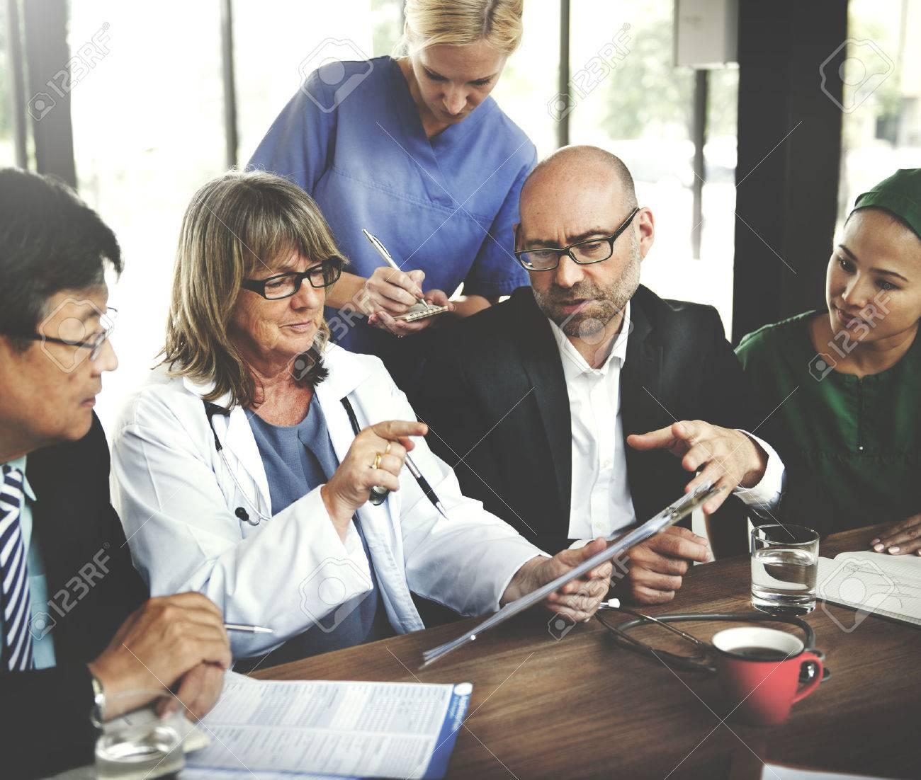Doctor Meeting Teamwork Diagnosis Healthcare Concept Stock Photo - 52337619