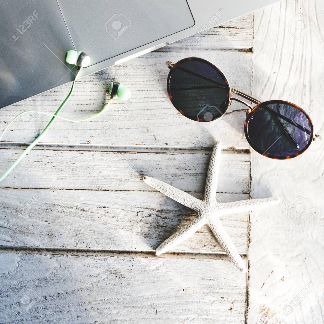 1956840126 De Seashell Sol Fotos Ordenador Concepto Gafas Portátil Del WDIH2beYE9