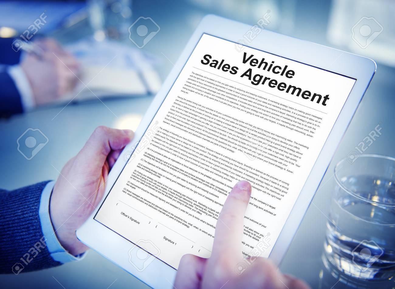 Fahrzeugkaufvertrag Versicherungskonzept Lizenzfreie Fotos, Bilder ...