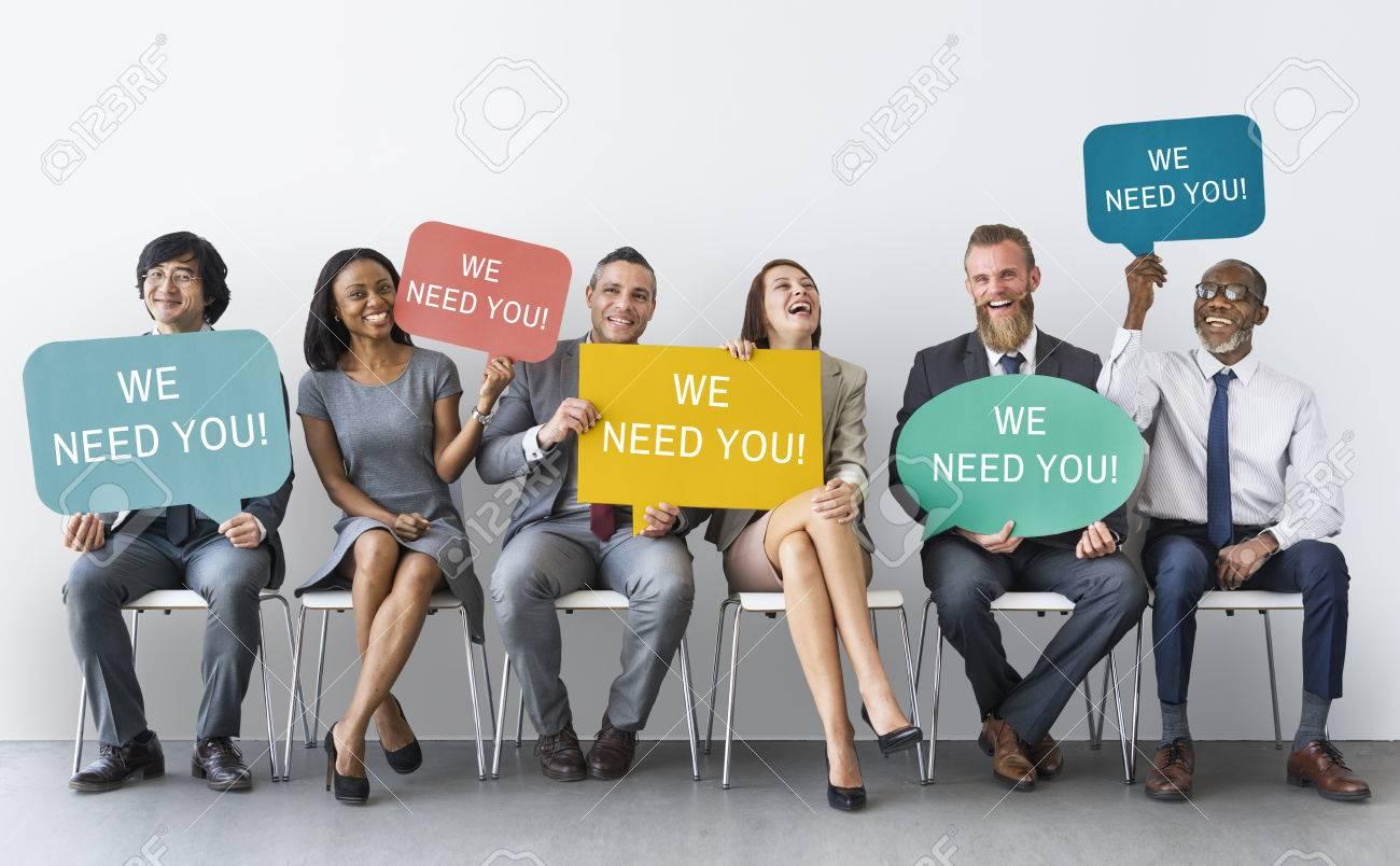 Nous vous avez besoin message Concept Banque d'images - 71082978