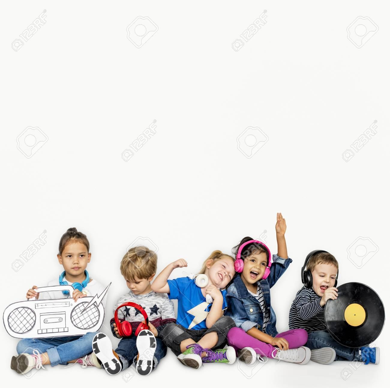 Little Children Music Vinyl Jukebox Papercraft