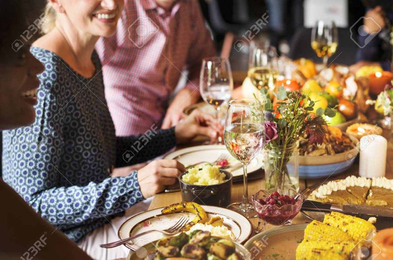 People are celebrating Thanksgiving day - 89601705