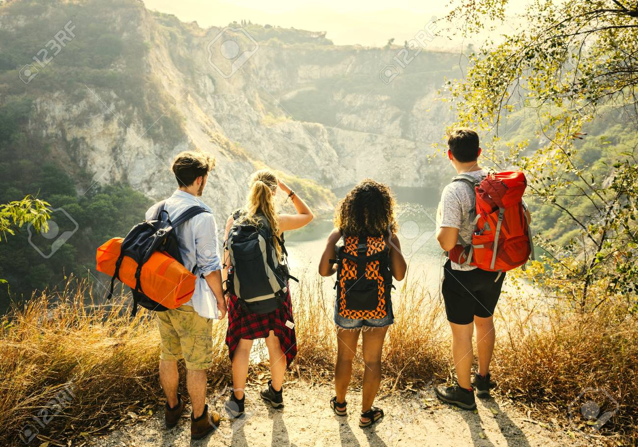 Backpacking friends on a gap year adventure - 110093982