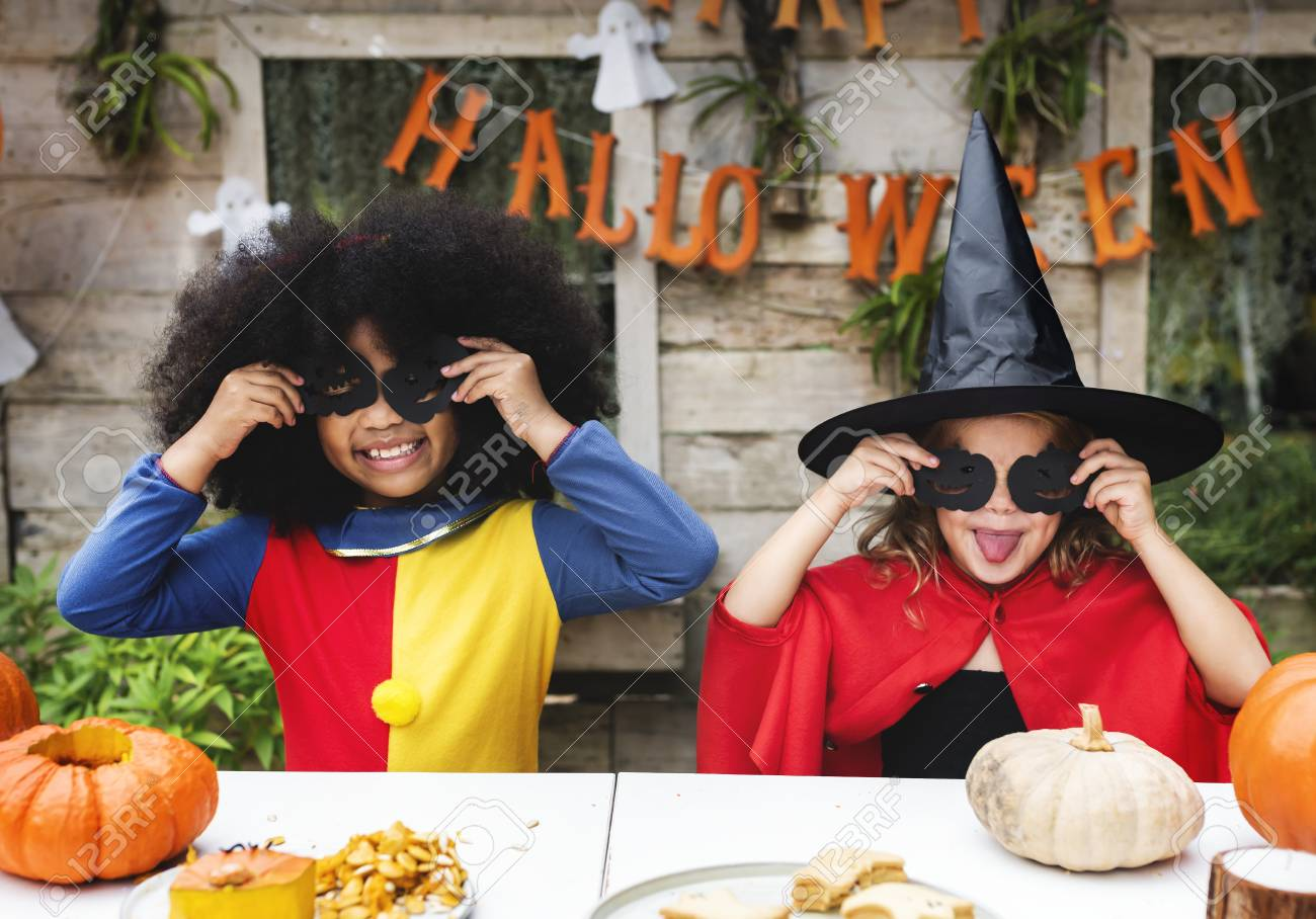 Kids in costume enjoying the Halloween season - 111778699