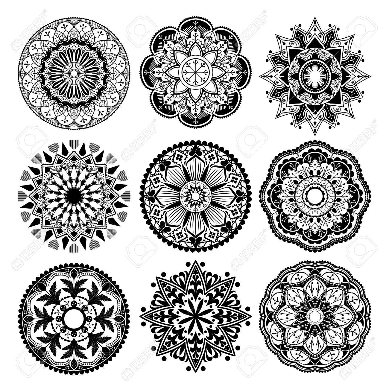 Black mandalas patterns set on white background - 118927622