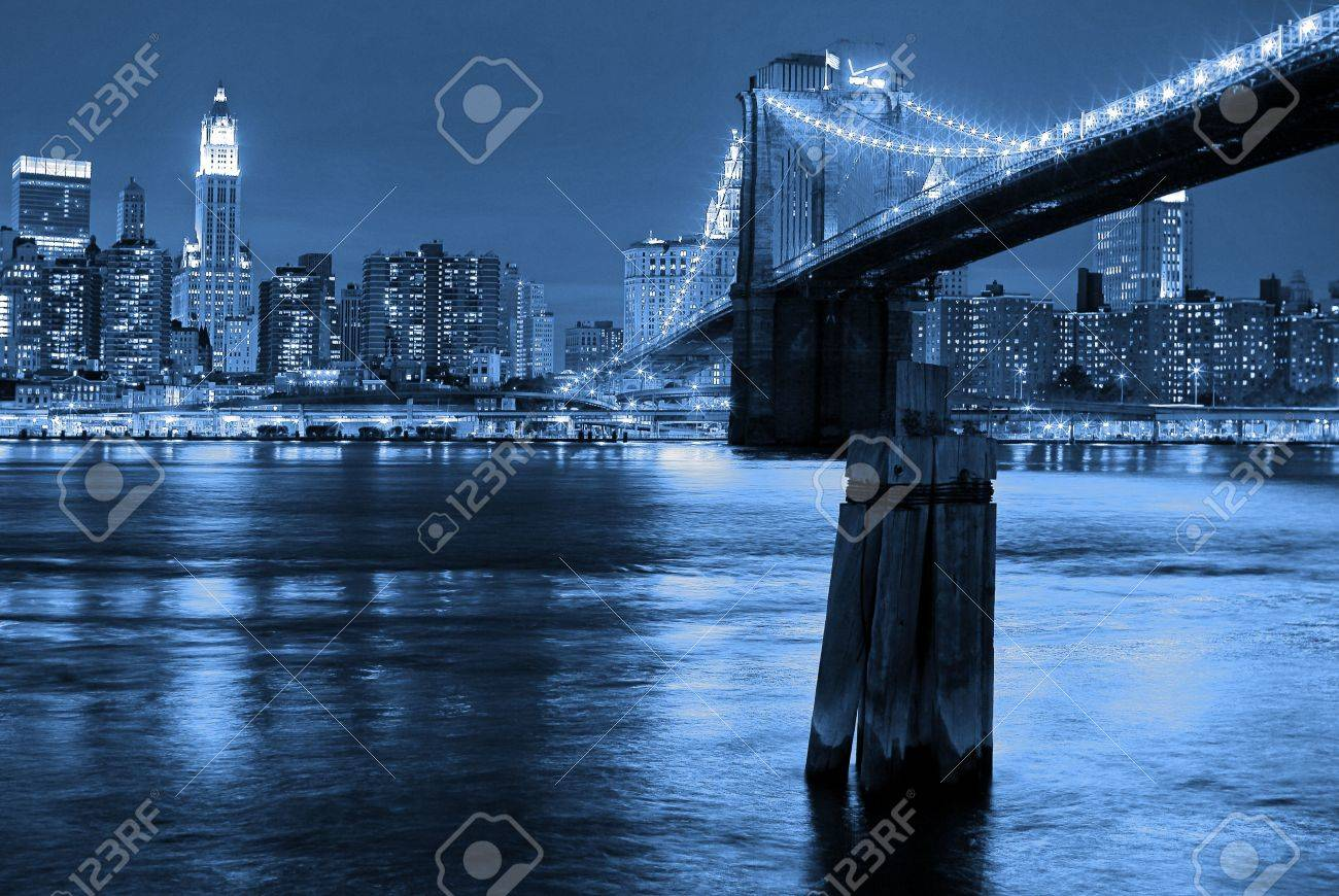 Manhattan and Brooklyn Bridge Stock Photo - 3453690