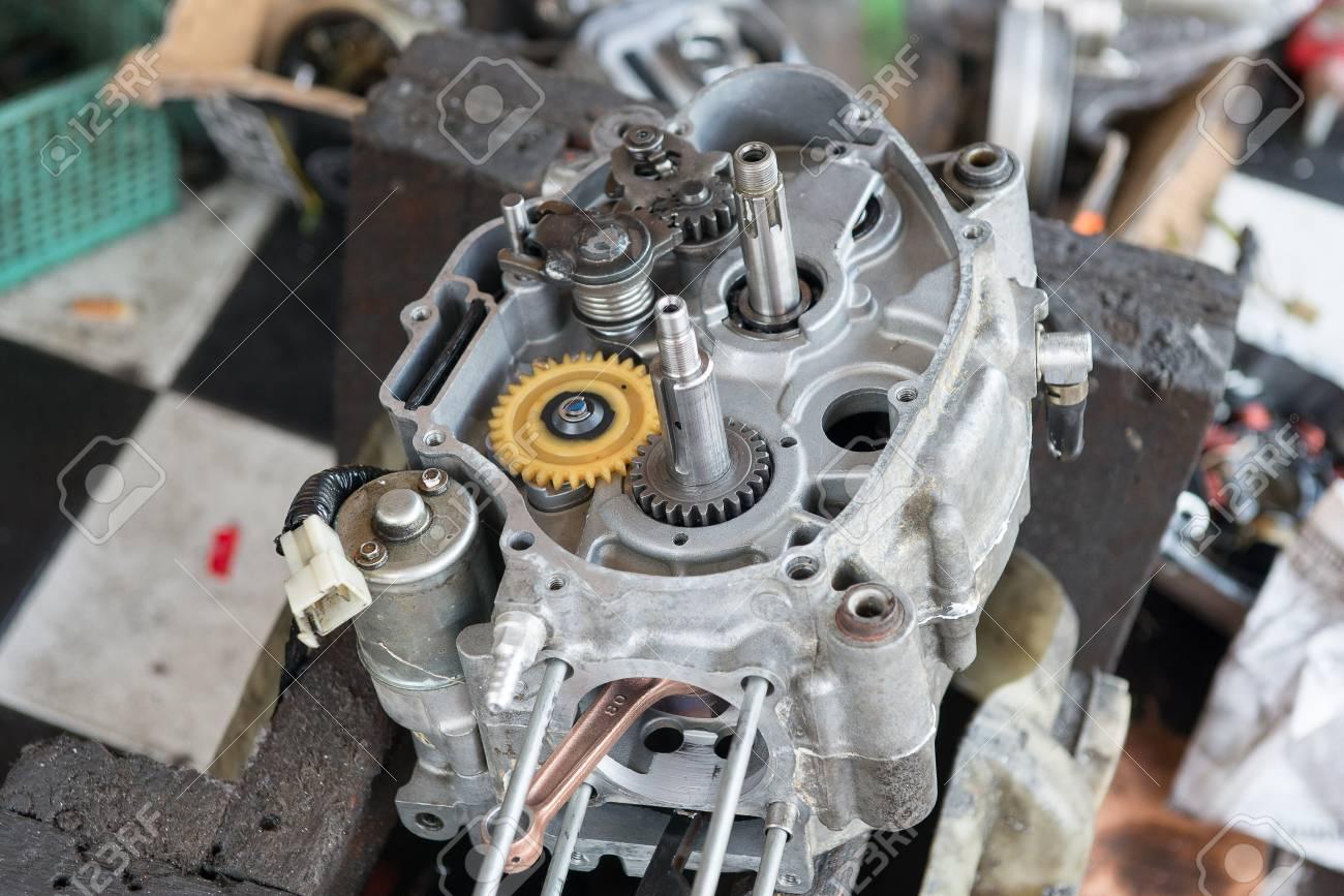 Ремонт двигателя мотоцикл 1 фотография