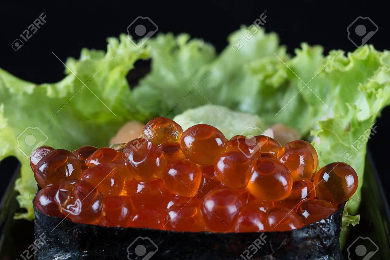 ikura sushi, ikura con alghe nori, cucina giapponese, uova di ... - Alghe In Cucina