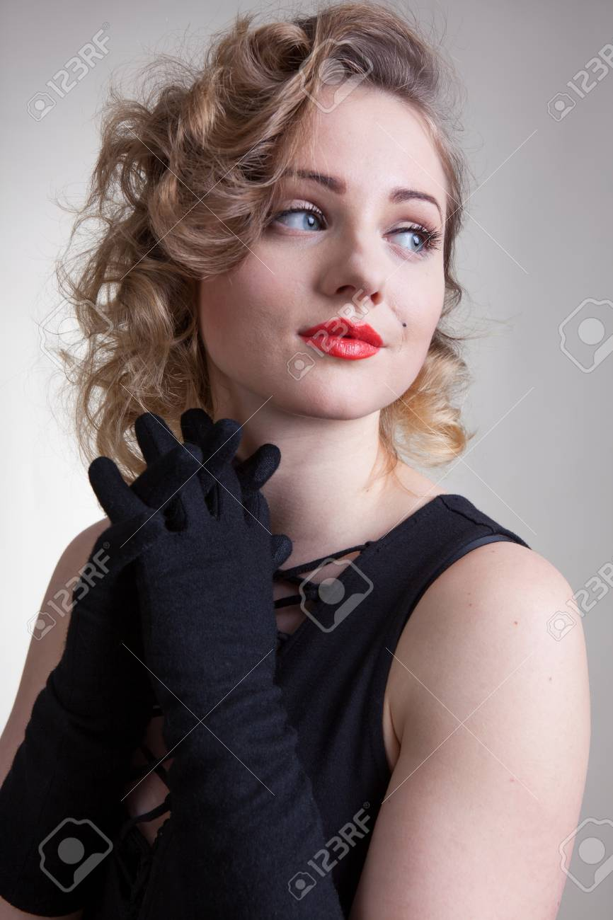 f31c48168 Pretty Blond Girl Model Like Marilyn Monroe