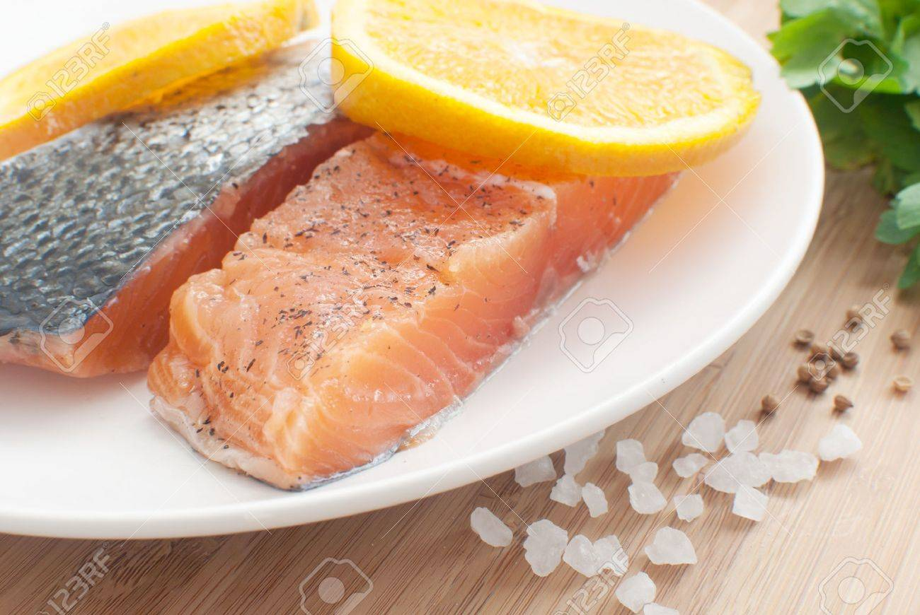 salted salmon fillets with oranges Stock Photo - 14878789