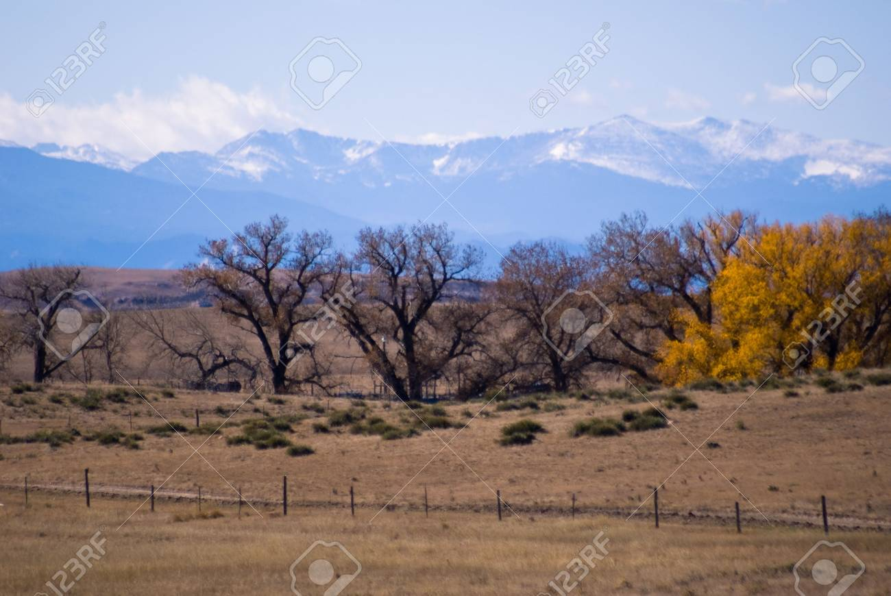Autumn colors east of the Rockies. Stock Photo - 3808515