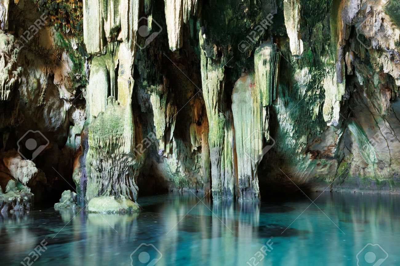 Resultado de imagen de Famoso lago subterráneo de méxico