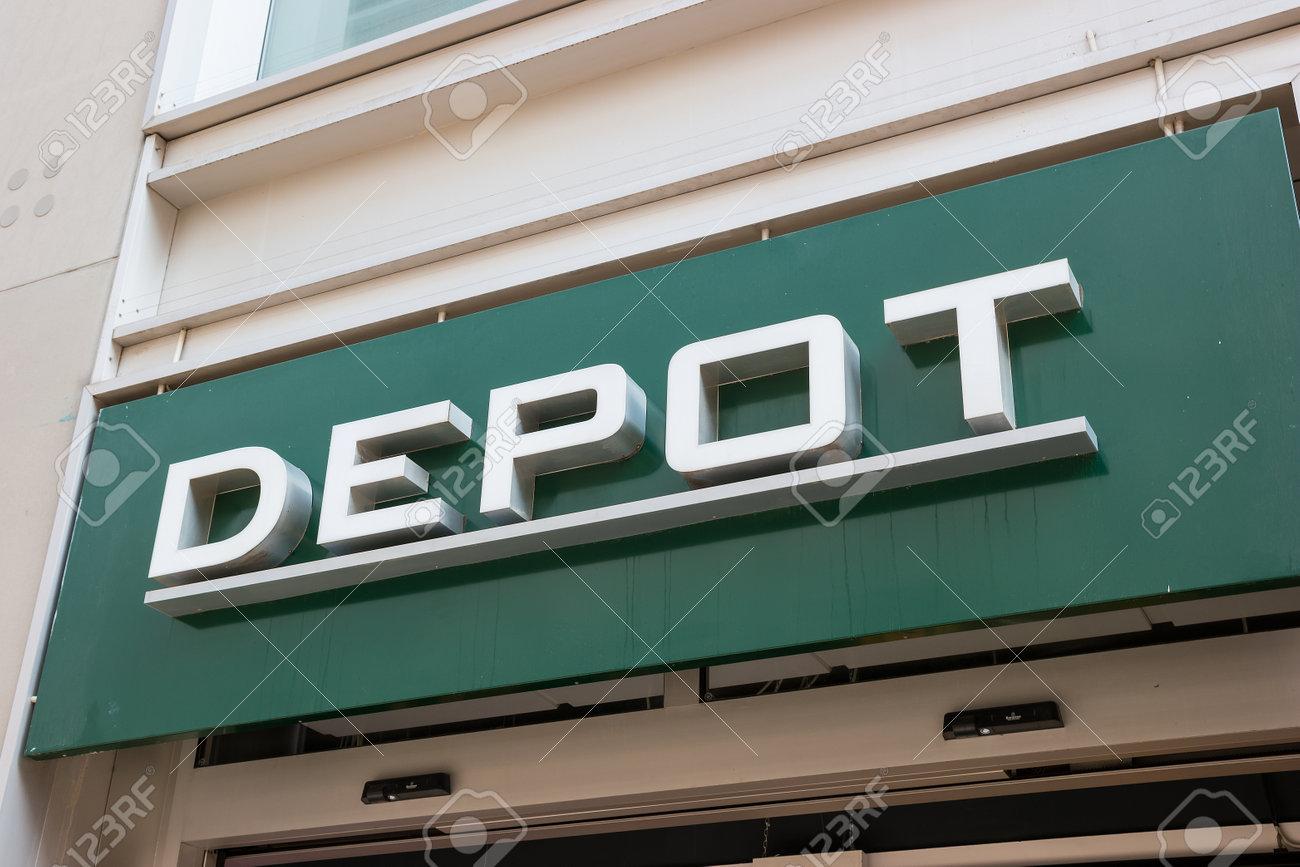 Frankfurt Germany March 2017 Depot Decoration Store Logo Stock