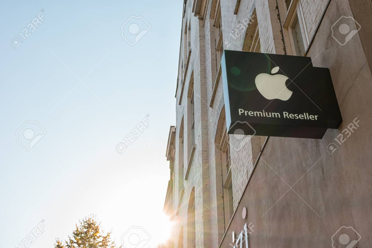 HEERLEN, NETHERLANDS OCTOBER, 2017: Apple Premium Reseller logo