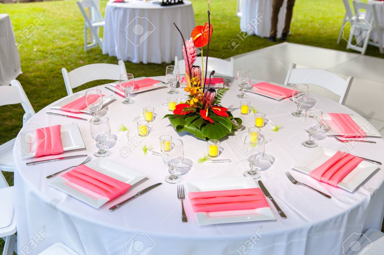 Luxury wedding lunch table setting outdoors, in white and pink colors Stock  Photo - 26452208