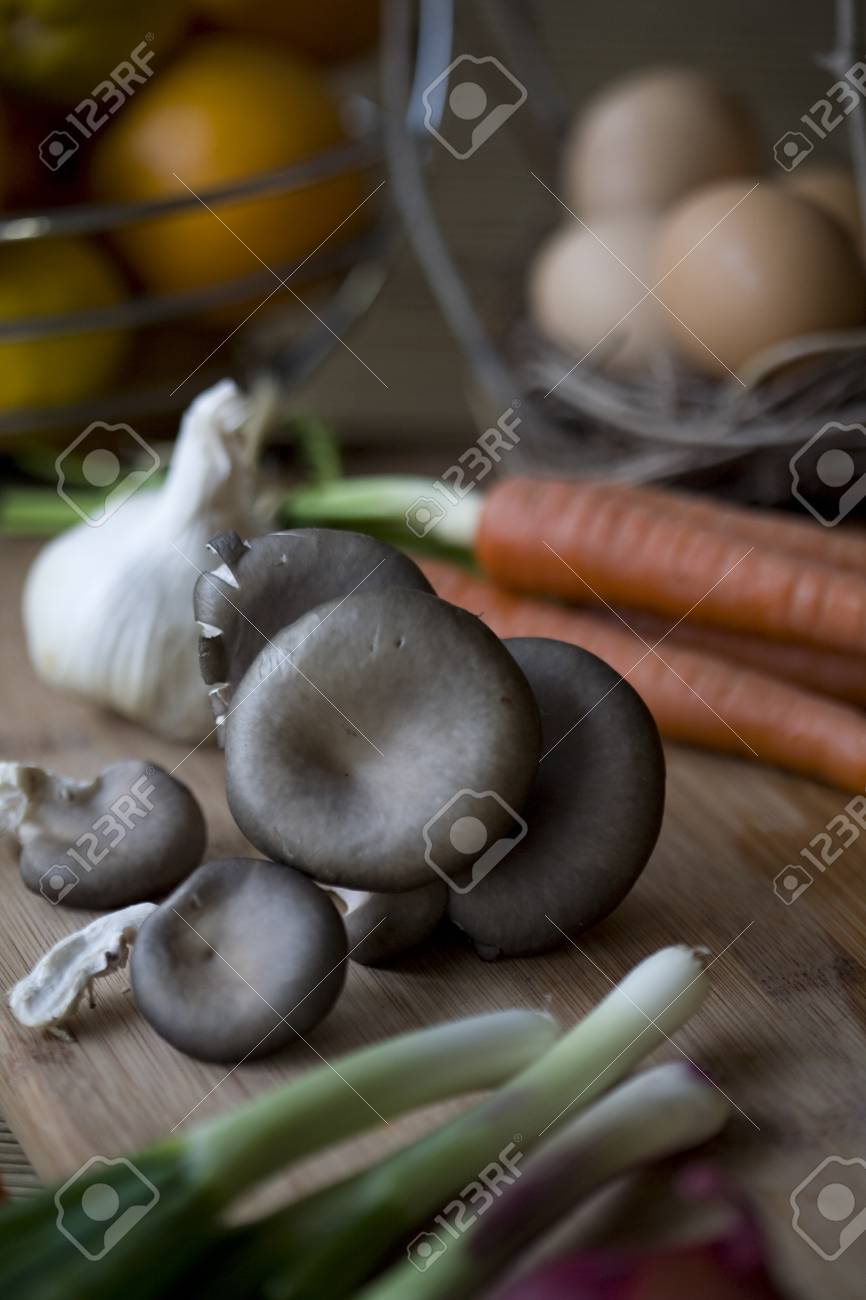 Fresh organic oyster mushrooms on a chopping block Stock Photo - 8503915
