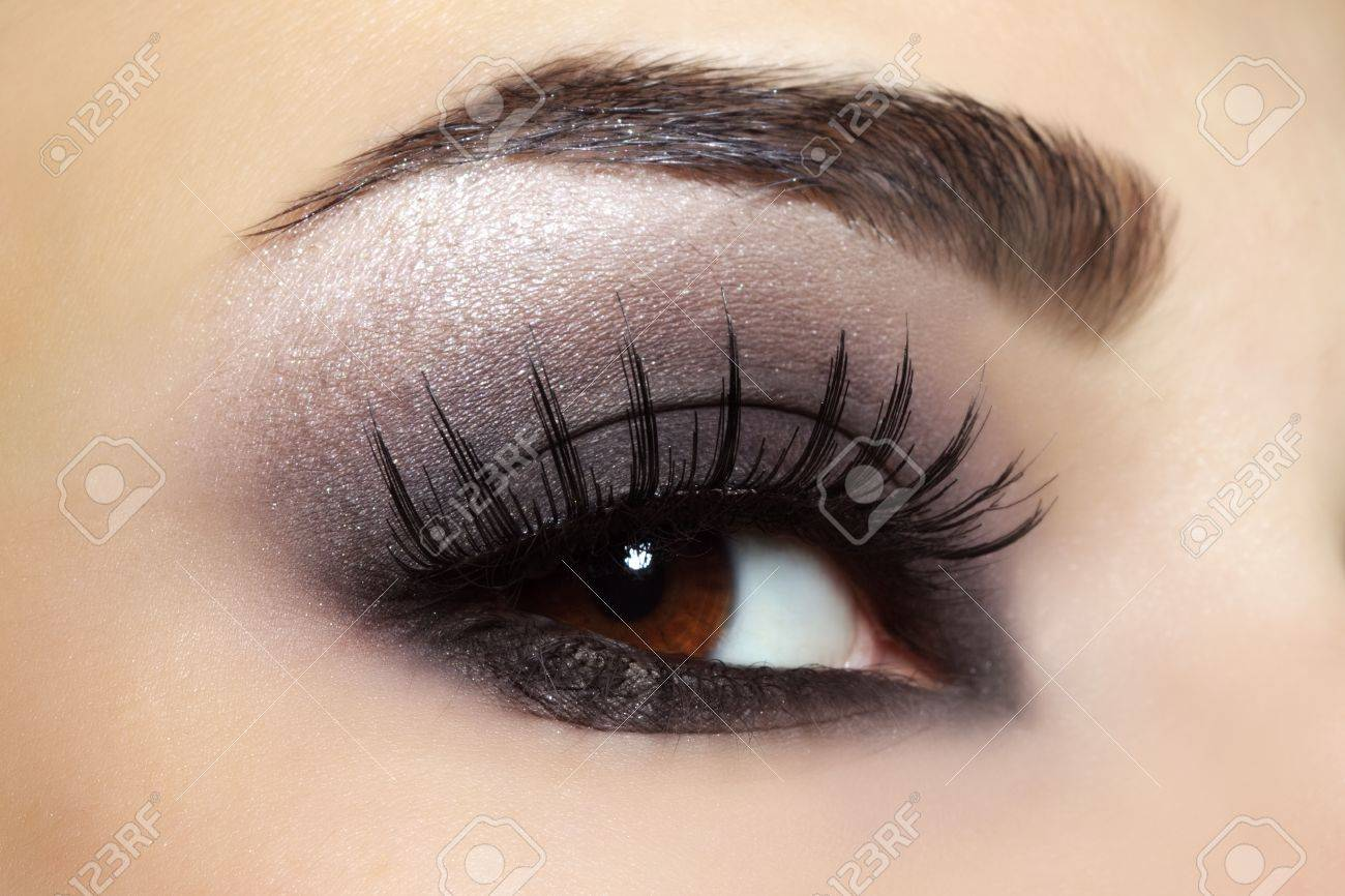 Eye with black fashion make-up - 16025106