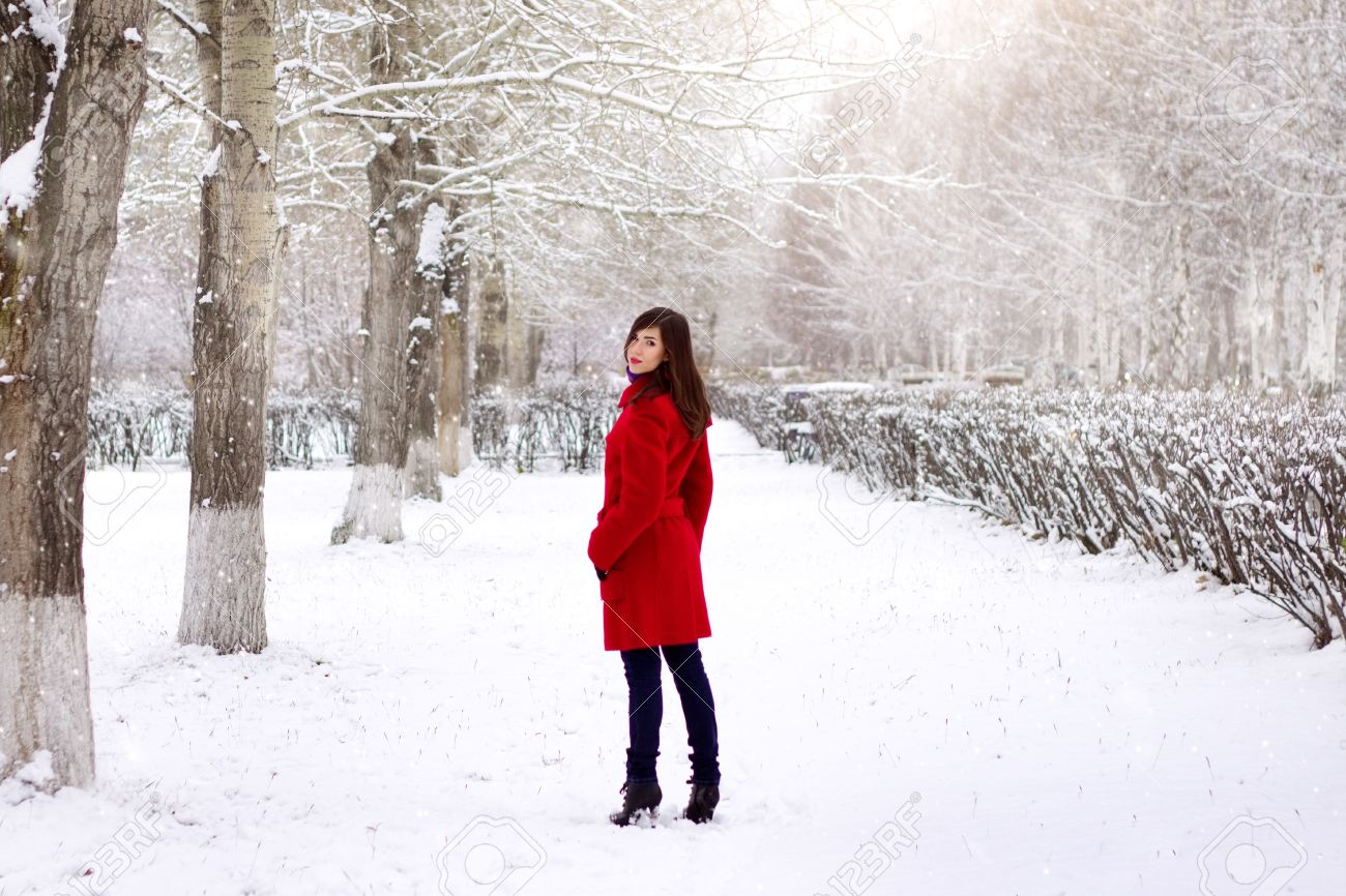 Woman In Red Coat Fy3djf
