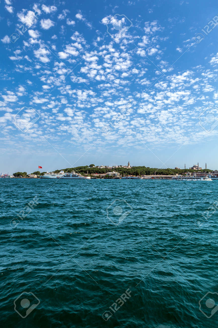 Perspective view of Istanbul, Sarayburnu from the sea. Sea and blue sky - 163031680