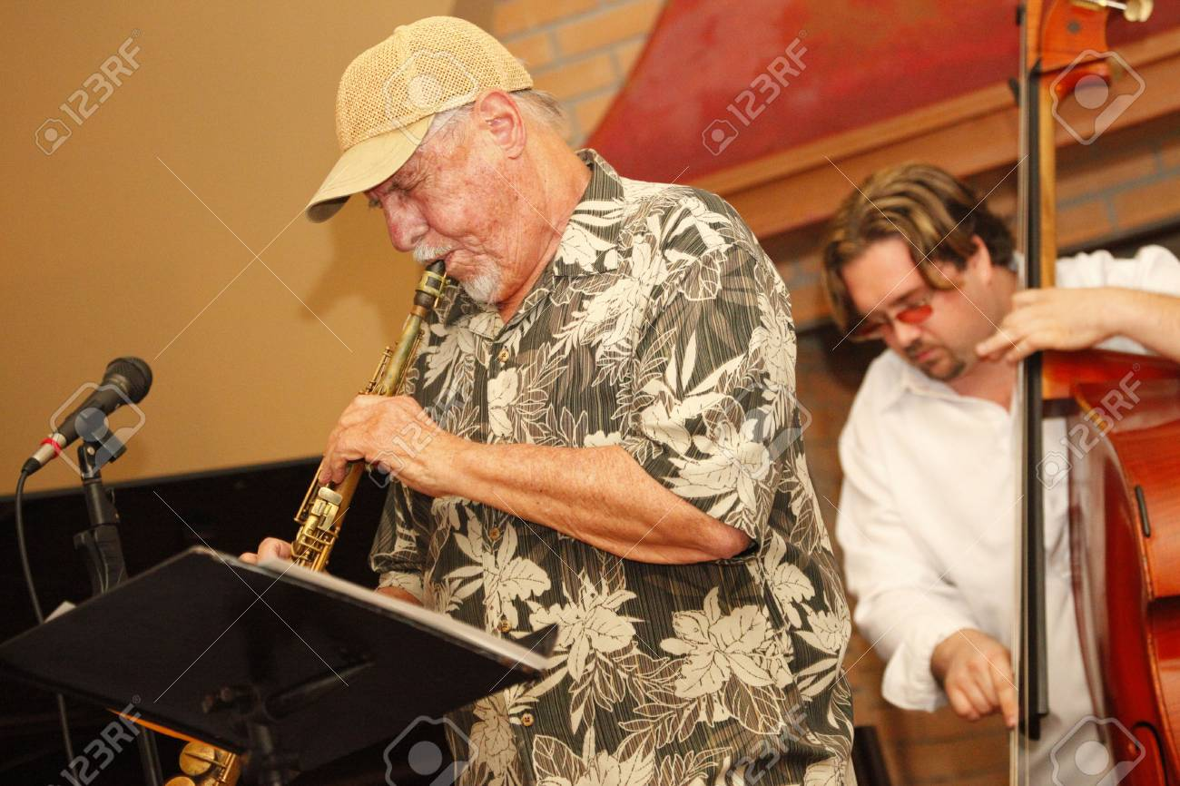 MIAMI BEACH - JUNE 20: Jazz winds player Ira Sullivan performs onstage with Jamie Ousley at the latter's latest CD release at Bath Club, June 20, 2010 Stock Photo - 7223672