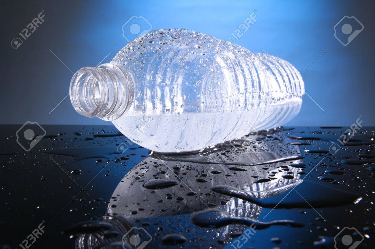 Cold bottled water Stock Photo - 10619951