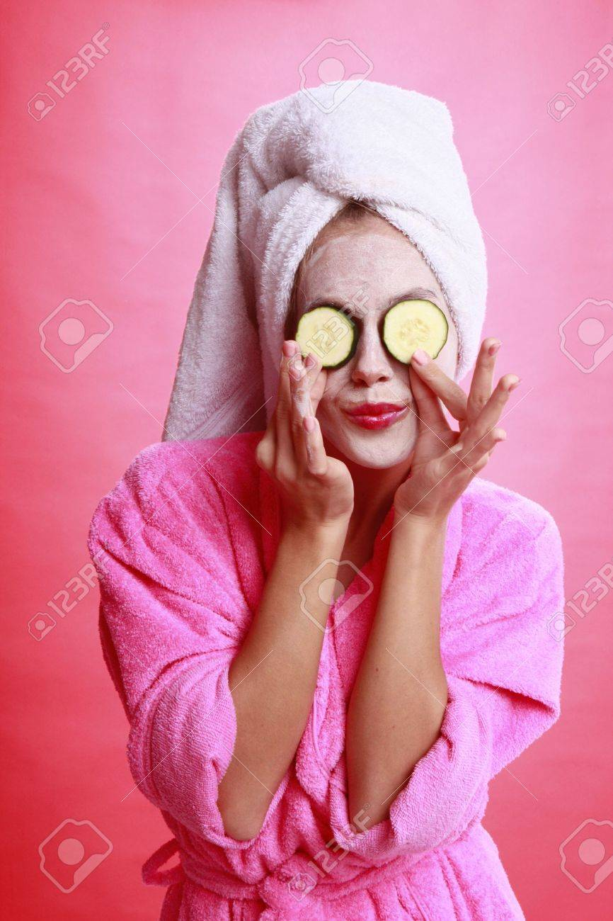 Cucumber eye treatment and face mask Stock Photo - 14025619