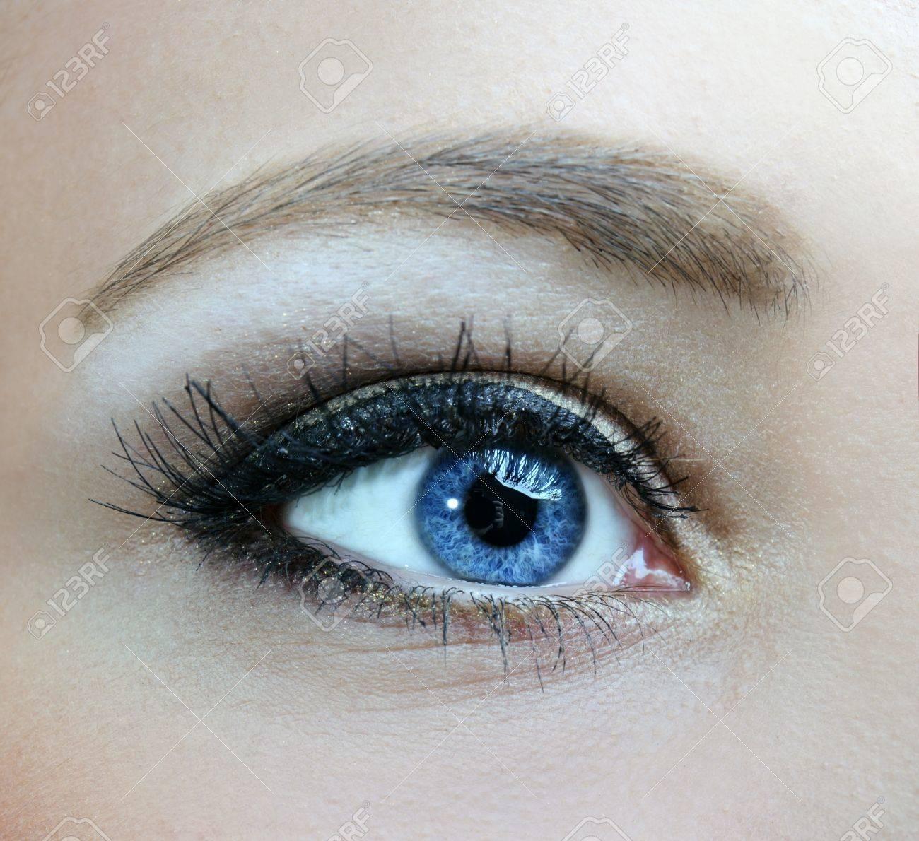 beautiful woman blue eyes macro shoot Stock Photo - 12872936