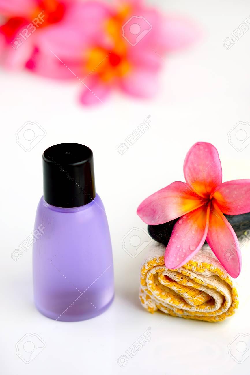 Spa wellness blumen  Tropical Wellness-Spa Und Aromatherapie-Konzept Mit Plumeria Blumen ...