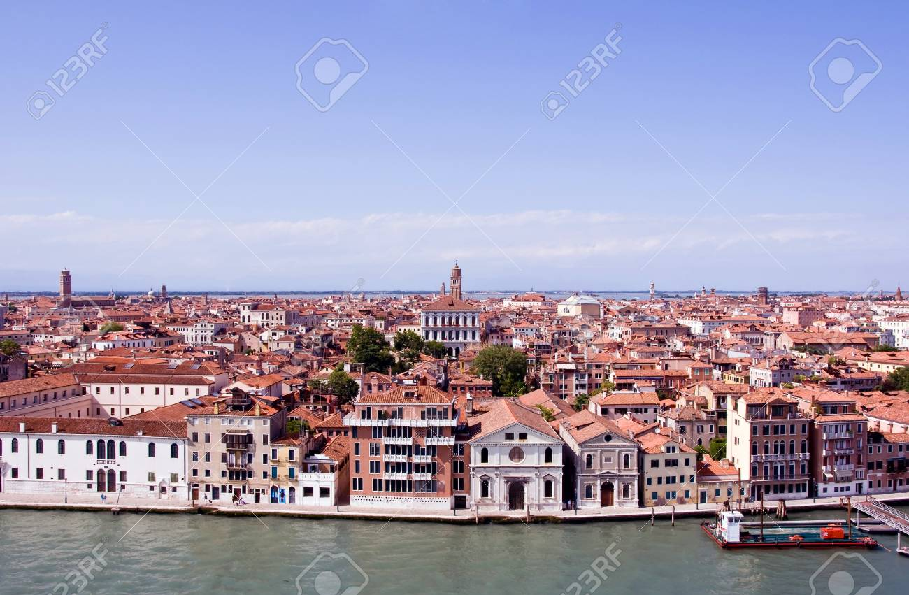 A view of Venice city Italy - 33033132